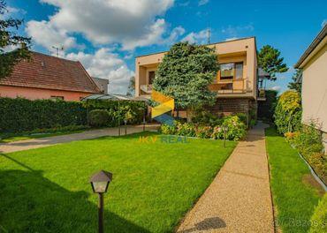 Kompletne zrekonštruovaný dom s velkou záhradou vo Veľkom Or