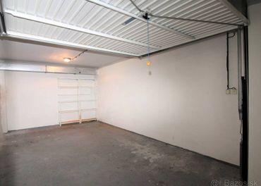 Samostatná uzatvor.garáž v bytovom dome v m.č. BA-Staré Mest
