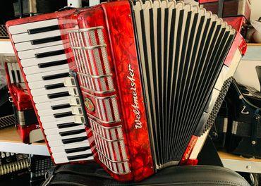 Predám Nemecký akordeón Weltmeister Galotta 72 basový