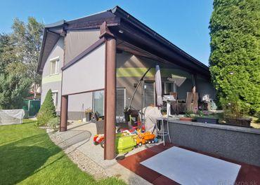 Ponúkame Vám na predaj atypický rodinný domček v lukratívnej
