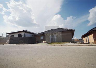 Ponúkame Vám novostavbu priestranného 4i domu typu Bungalow
