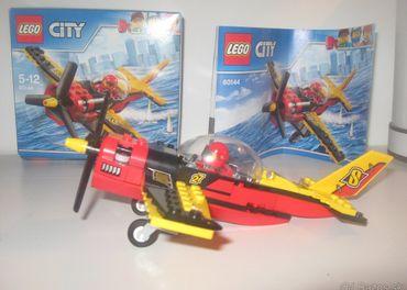 Lego 60144 pretekárske lietadlo