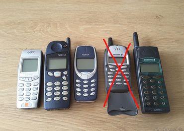 Zberateľske staré mobilné telefóny