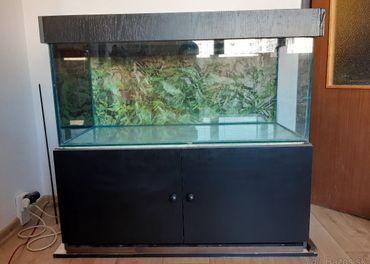 Predám skrinku s akváriom