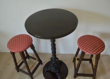 barové stoličky a barové stoly