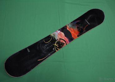 Jazdený dámsky snowboard Never Summer Lotus
