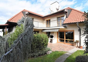 BOND REALITY - Výnimočný 5 izbový rodinný dom v žiadanej lokalite Záhorskej Bystrice