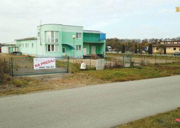 PREDAJ - Pr. AREÁL 9500 m² s objektom 2060 m² - Košice