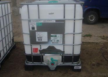 Plastova nadrz 1000l-IBC kontajner