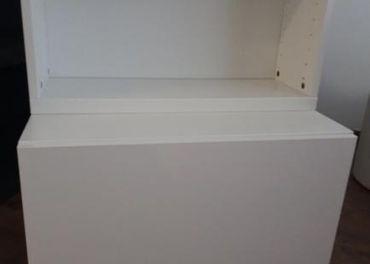 2 nástenné skrinky IKEA - biela lesklá