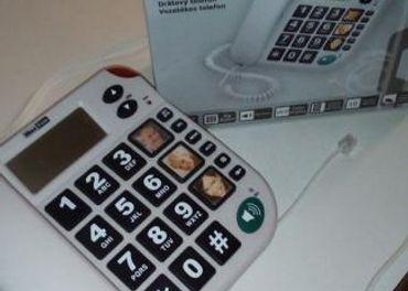 telefón na pevnú linku s veľkými tlačidlami
