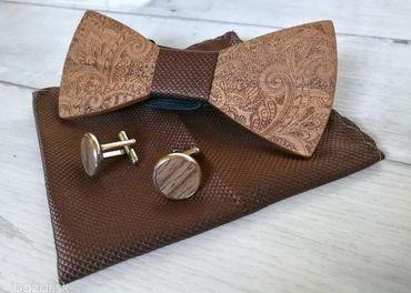Hnedý drevený motýlik - kompletný set
