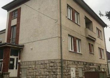 PBS - NA PRENÁJOM ubytovňa (bývalý penzión FARAÓN) v centre obce MALŽENICE