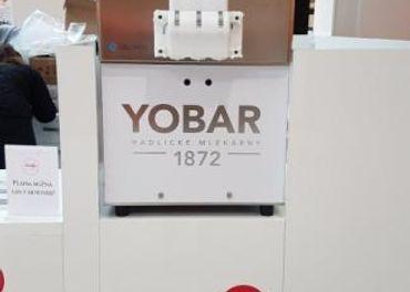 Stroj na výrobu zmrzliny a mrazeného jogurtu