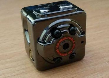 Minikamera SQ8, na microSD kartu