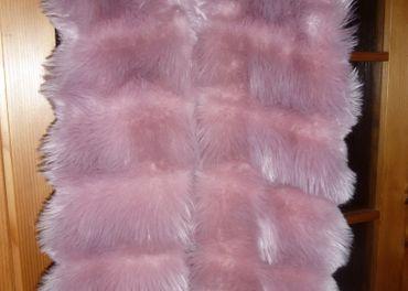 detská chlpatá vesta s kapucňou