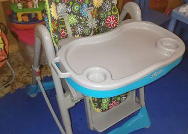 Detská jedálenská stolička + cestovná postieľka + 2x matrac