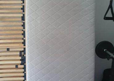 Predám matrace a lamelové rošty 90x200cm