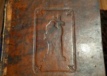 Predám historickú biblickú knihu z r 1857