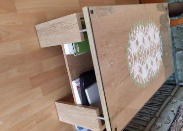 Sedačka na predaj + konferenčný stolík