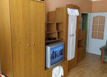 Obývacia stena + televízor