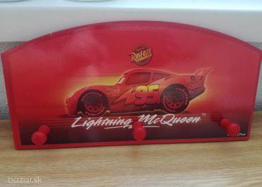 Vešiak McQueen / Cars