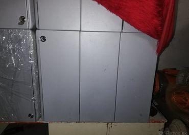 Kancelárske skrinky/skrinky na náradie plechové