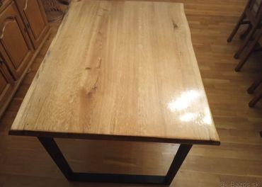 Masívny dubový stôl
