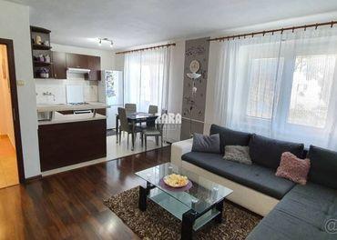 ZARIADENÝ 3 izb.TEHLOVÝ byt 72 m²,ul.Námestie oceliarov.Šaca