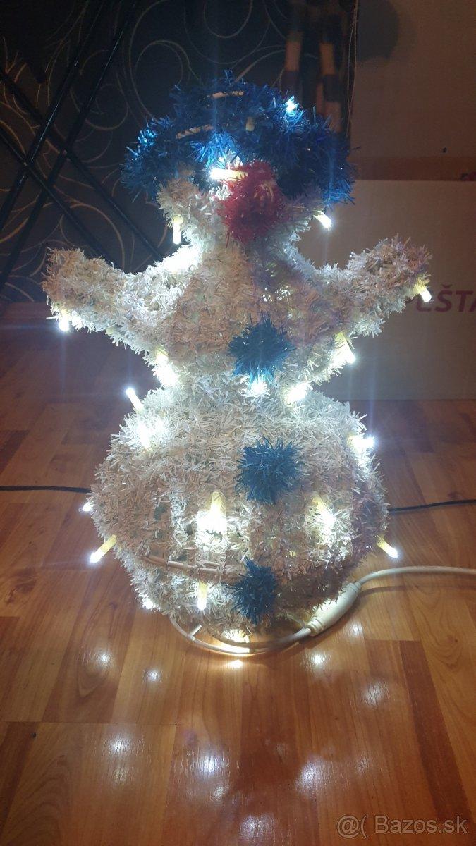 LED vianočný snehuliak - svetelná dekorácia aj exterier Pozr