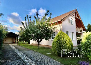 PREDAJ - priestranný 5 izbový rodinný dom, Chorvátsky Grob s výhľadom priamo na Malé Karpaty - EXPIS