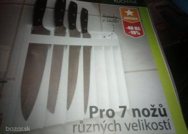 Závesný organizér na nože