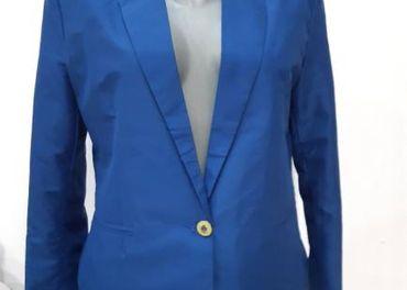 modré sako kabatik