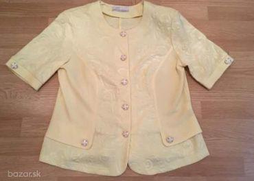 Slabo žlté sako veľkosť 48