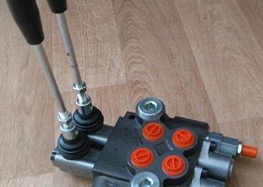dvojpáčkový hydraulický rozvádzač