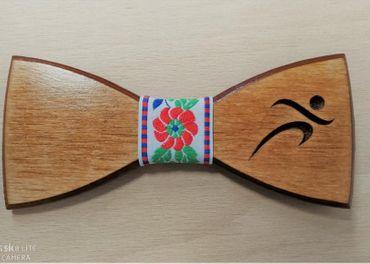 Pánsky drevený motýlik ŠPORTOVEC