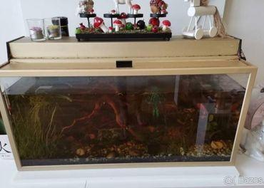 Predám veľké akvárium v ráme