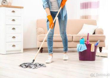Ponúkam pomoc s upratovaním
