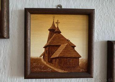 Drevene kostoliky