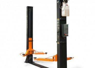 Dvojstĺpový zdvihák s elektrickým odistením