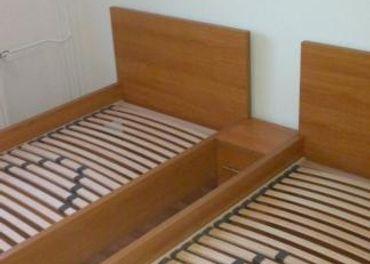 Predám postele, matrace a stolíky