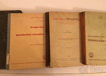 Staré učebnice z roku 1927 až 1945
