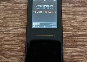 MP3 zn. IRIVER / 4GB/