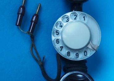 Skušobný, analogový retro telefon pre montérov