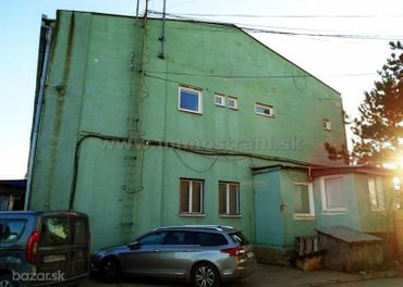 Administratívno-prevádzkova budova 1765 m2 na pozemku 3228 m2 na predaj - Košice Barca