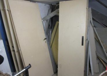 Predám staré celkom dobré dvere plné aj presklené