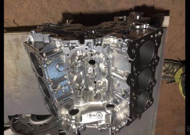 Blok motora V6 na stolik