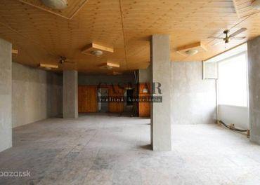 CASMAR RK ponúka na predaj obchodný priestor v centre Trnavy