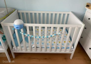 Detská postieľka Ikea + matrac s prislusenstvom