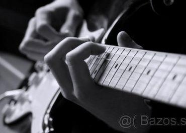Súkromné hodiny elektrickej / akustickej gitary